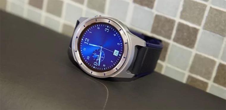 ZTE Quartz — первые умные часы компании ZTE