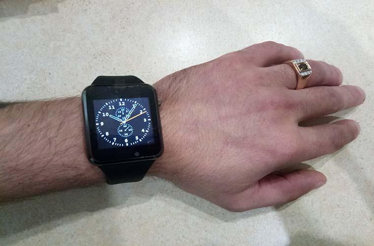 часы а1 на руке