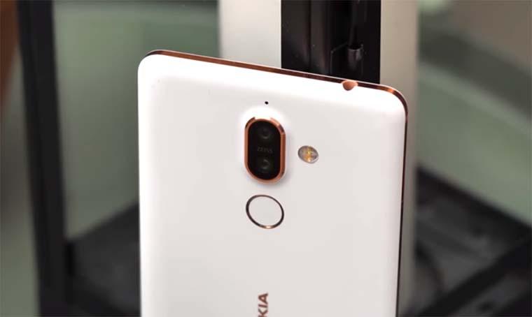Nokia 7 Plus обзор